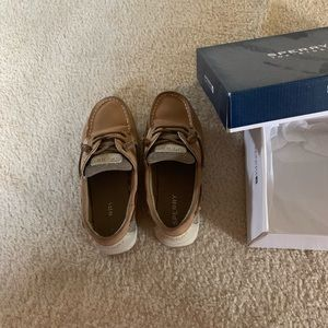Size 3 Sperry